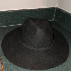American Eagle floppy hat